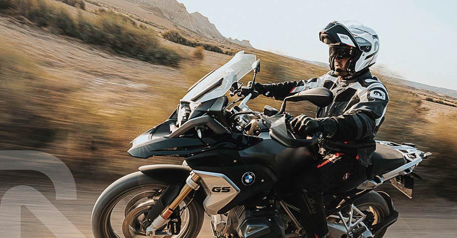 HJC rpha 90S race-inspired flip-front helmet